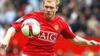 Paul Scholes playing football