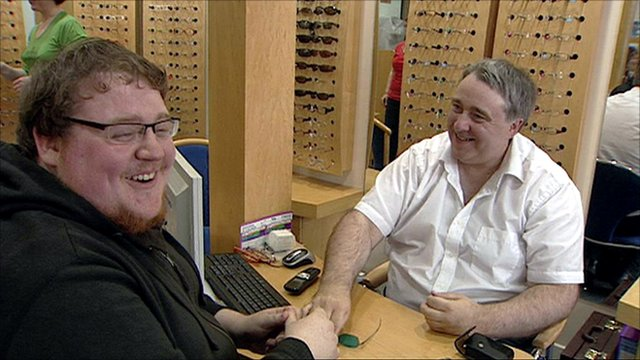 Face-blindness sufferer Alan Mendelson and optician Ian Jordan