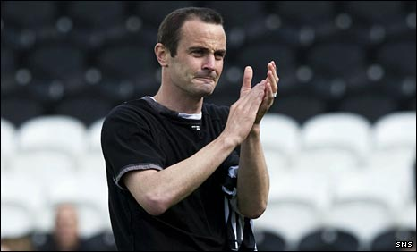 John Potter says goodbye to St Mirren's fans