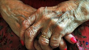 Hands of an elderly lady