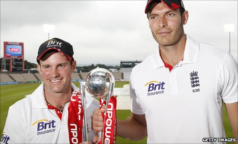 England captain Andrew Strauss and man of the series Chris Tremlett with the Test series trophy