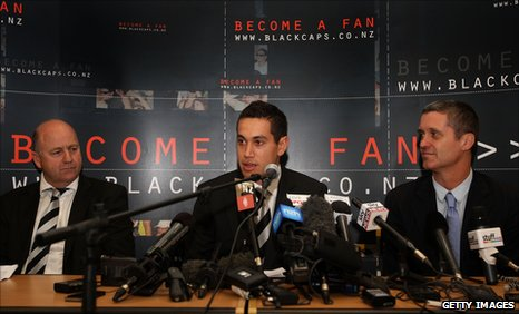 New Zealand captain Ross Taylor (centre), flanked by acting national selection manager Mark Greatbatch (left) and Cricket New Zealand chief executive Justin Vaughan