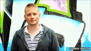 Carnegie winner Patrick Ness attacks library cuts (UK)