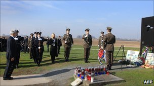 Serbian President Boris Tadic pays tribute at the Ovcara memorial to some 200 Croat prisoners killed by Serb forces (4 November 2010)