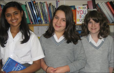 Hutchesons' Grammar School Reporters, Arya, Lara and Jessica