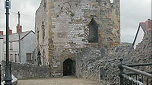 Denbigh's Burgess Gate