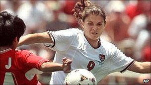 US player Mia Hamm in action against China in the 1999 Women's World Cup final