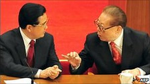 Former Communist Party leader Jiang Zemin (right) talking to Chinese President Hu Jintao in 2008