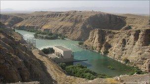 Kajaki Dam