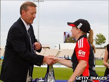 Holly Colvin receives her player of the series award from former Hampshire all-rounder Tim Tremlett