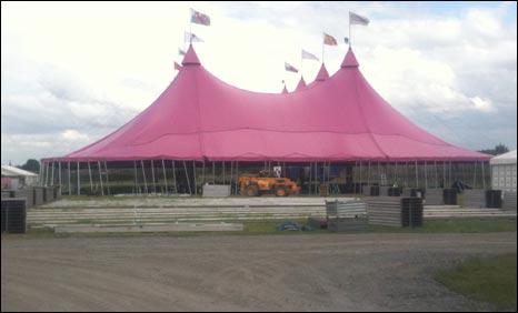 Pafiliwn Pinc Eisteddfod Genedlaethol Wrecsam 2011