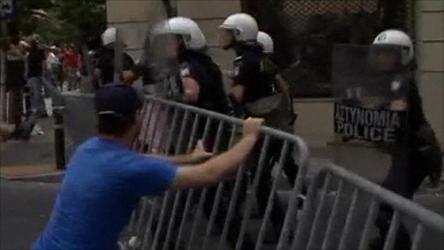 Protester clashing with police in Athens