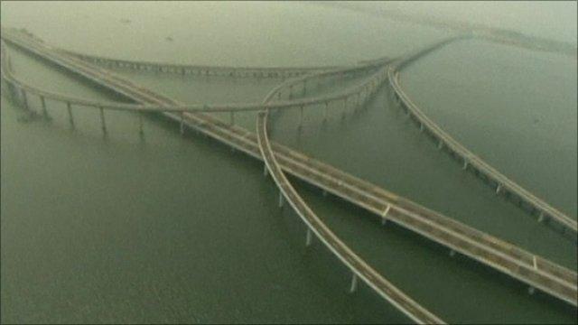 China Opens World 39 S Longest Sea Bridge Near Qingdao Bbc News