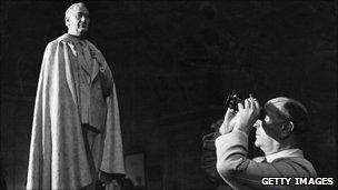 Roosevelt statue and sculptor William Reid Dick