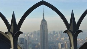 Manhattan skyline centred on Empire State building
