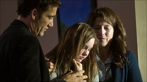 Clive Owen, Liana Liberato and Catherine Keener in Trust