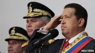 Hugo Chavez salutes during a ceremony marking independence, Miraflores Palace, Caracas (5 July 2011) 