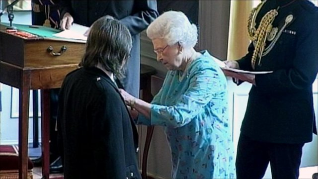 Dougie MacLean is awarded an OBE by the Queen