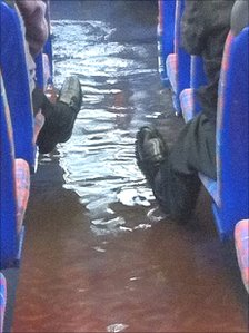 Flooded bus in Edinburgh Pic: Nikki Runefox