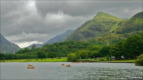 Llyn Padarn, courtesy Erwlas via Flickr