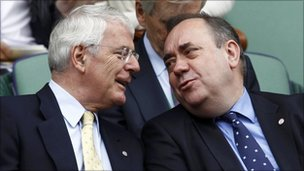 John Major talks to Alex Salmond at Wimbledon