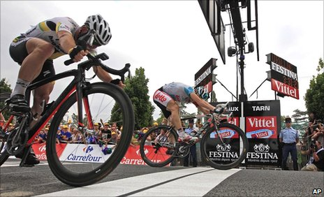 Mark Cavendish (left), Andre Greipel