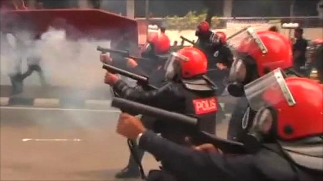 Police using tear gas during last week's rallies