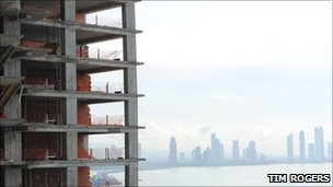 "The ""Life is Perfect"" skyscraper being built on Punta Pacifica"