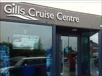 Swyddfa Gill's Cruise Centre yng Nghaerdydd