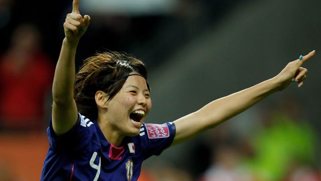 bbc sport womenu002639s world cup japan celebrate win on penalties japan hails womens world football player of the year 640x360