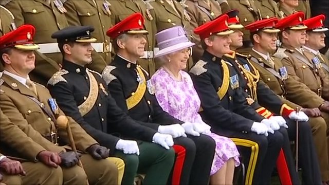 The Queen takes part in a photograph
