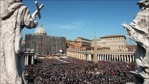 Huge crowd in St Peter's Square, Rome