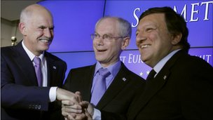 Greek Prime Minister George Papandreou (l), European Council President Herman Van Rompuy (c) and European Commission President Jose Manuel Barroso