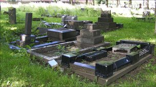 Hunslet Cemetery pic Friends of Hunslet Cemetery