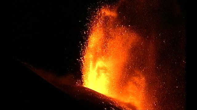 Mount Etna lave eruption