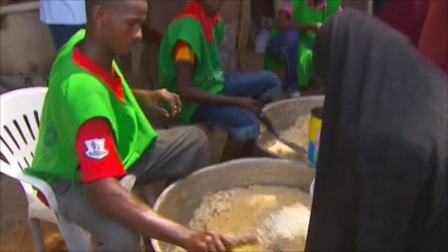 Food being served in Mogadishu