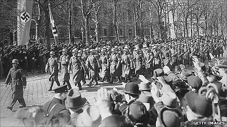 German troops marching into Vienna in 1938