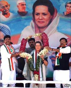 Sonia Gandhi receiving a garland at a public rally, 4 February 2009