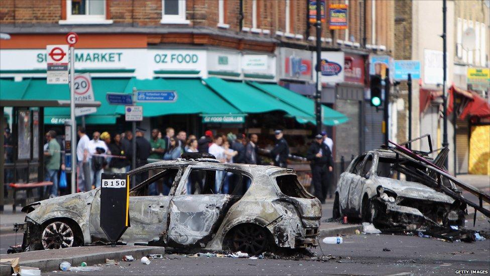 Tottenham riots: Disorder continues across London