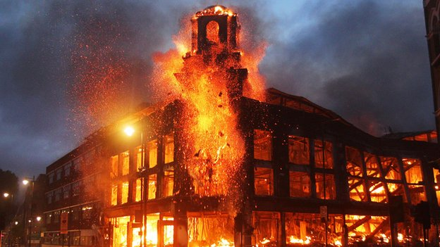 _54476505_fire_building_pa.jpg