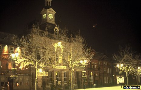 Alex Birch's photograph of an object over Retford, Nottinghamshire from 27 January 2004