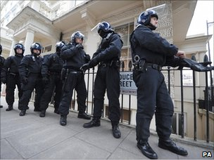 Police on raid in Pimlico