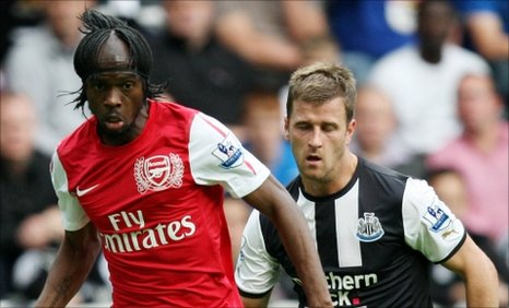 Arsenal striker Gervinho and Newcastle defender Ryan Taylor