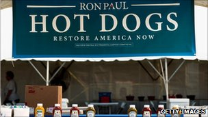 Ron Paul hotdog stand at Iowa straw poll (13 Aug 2011)