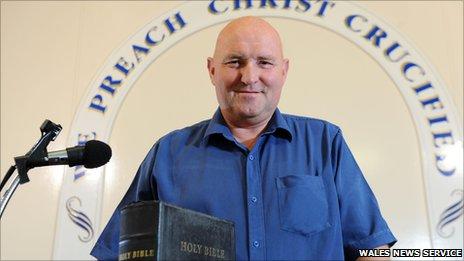 Pastor Brian Morris