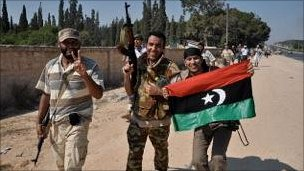 Rebel fighters near Jeddayim - Sunday 21 August 2011