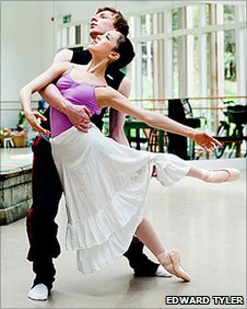 Max Maslen and and Olivia Holland in rehearsals for Ballet Chocolat (photo by Edward Tyler)