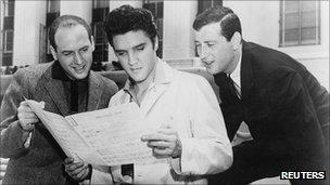 Mike Stoller (left), Elvis Presley and Jerry Leiber in 1957