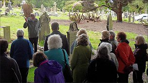 A walking tour though Darwen Cemetery