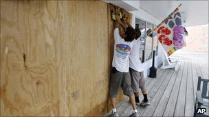 Cape Hatteras residents board windows at a store